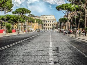 Koloseum od strony Via Fori Imperiali