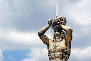 Rzym zabytki - fontanna Trytona - fragment
