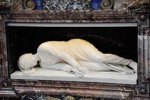 Zatybrze - statua św. Cecylii